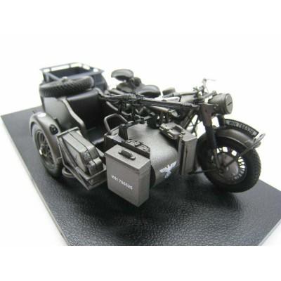 Модель немецкого мотоцикла BMW R75 Panzerfaust 30